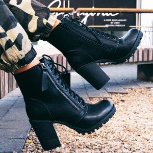 NEW🔥 Lace-Up Combat Ankle Booties Boot Lug Sole